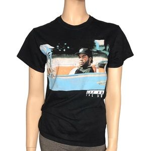 Icecube Womans Small Short Sleeve Black T-Shirt